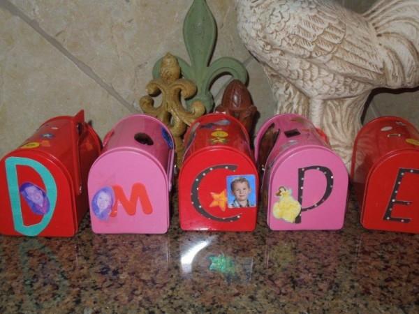 valentine-mailboxes1-800x600